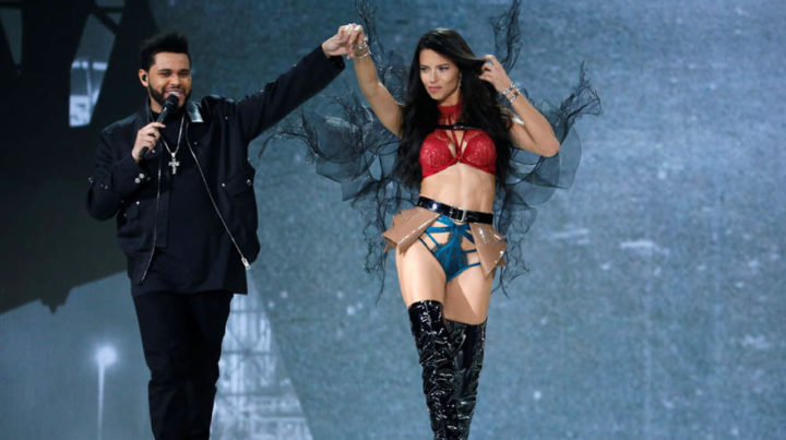 Musician The Weeknd performs with model Adriana Lima during the 2016 Victoria's Secret Fashion Show at the Grand Palais in Paris, France, November 30, 2016. REUTERS/Charles Platiau FOR EDITORIAL USE ONLY. NOT FOR SALE FOR MARKETING OR ADVERTISING CAMPAIGNS